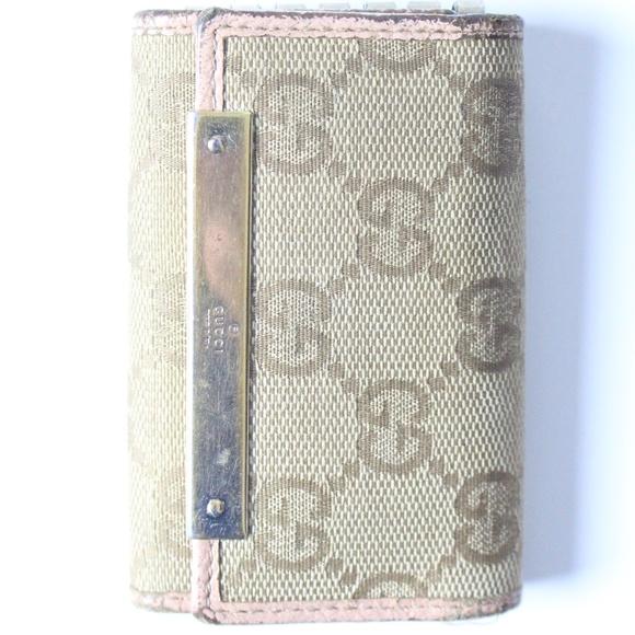 146c5c6c6b96 Gucci Bags | Key Holder | Poshmark